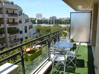 Apartment/Flat in Levallois-Perret, at Desirée + Emilien Et Laura + Miguel's place - Levallois-Perret vacation rentals