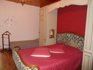 Nice Bed and Breakfast with Internet Access and Parking Space - Donzere vacation rentals
