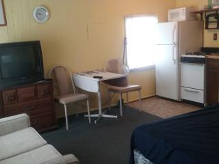 Affordable Efficiency close to beach free WiFi M-B - Wildwood vacation rentals