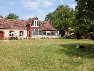 2 bedroom Cottage with Internet Access in Corton - Corton vacation rentals