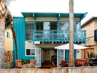 Mission Beach home w/ocean views & bikes! Enjoy dinner al fresco on nice patio! - Pacific Beach vacation rentals