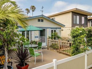 Quaint beach cottage blocks from the boardwalk! - San Diego vacation rentals