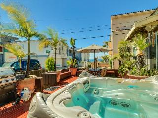 Charming Mission Beach cottage w/private hot tub & patio! - San Diego vacation rentals