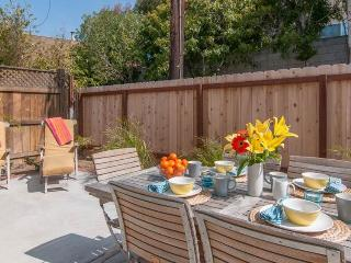 Gorgeous, modern house with central location - great for families! - La Jolla vacation rentals