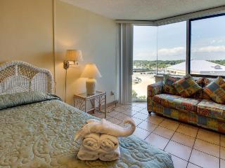 Cozy & clean beach condo with shared pools, sun deck, ocean views! - Panama City Beach vacation rentals