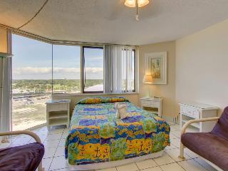 Beachfront condo with access to pools, fitness, & game room! - Panama City Beach vacation rentals