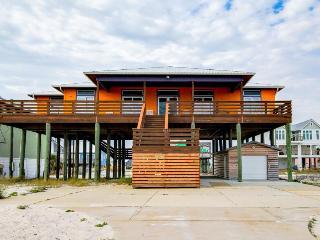 Fantastic home for 12 w/beach access & Gulf views, golf cart - Navarre vacation rentals