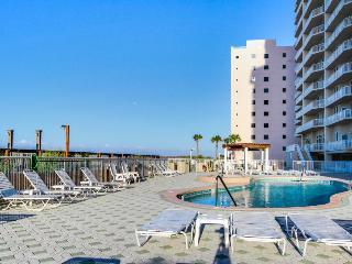 Luxury condo w/wrap-around balcony, Gulf views, resort pools - Navarre vacation rentals