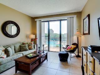 Pirates' Bay studio w/boat slip, shared pool, bay views! - Fort Walton Beach vacation rentals