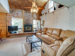 Contemporary ski condo, perfect for visits to Utah parks! - Brian Head vacation rentals