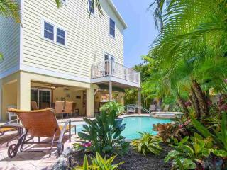 ABSOLUTE PARADISE - Bradenton Beach vacation rentals