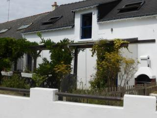 Sunny Gite with Internet Access and Satellite Or Cable TV - Saint-Martin-sur-Oust vacation rentals