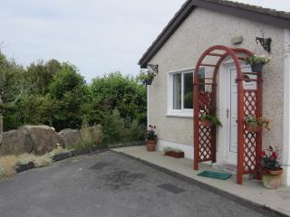 Barna Galway 1 Bedroom Cottage, Log Stove & Wi-Fi. - Barna vacation rentals