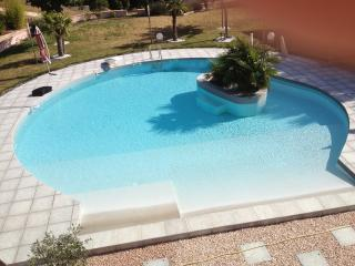 Nice Villa with Internet Access and Dishwasher - Lambesc vacation rentals