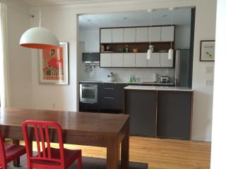 SUPERB BRIGHT APARTMENT, in MONTREAL, ALL INCLUDED - Montreal vacation rentals