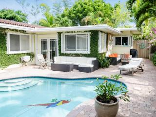 Villa Parati - Tropical Oasis 1 Mile From Beach - Fort Lauderdale vacation rentals