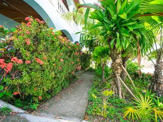 Sueno Caribe Sunset Villas 8B - West End vacation rentals