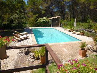 T2 meublé de 46 m2 avec piscine - Venelles vacation rentals