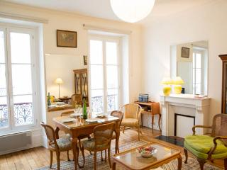 Cité de l'Alma- A superb apartment found on the doorstep of the Eiffel Tower - 7th Arrondissement Palais-Bourbon vacation rentals