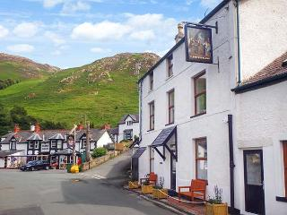 THE OLD INN, ground floor, WiFi, great walking base near village pub, Penmaenmawr, Ref 926183 - Penmaenmawr vacation rentals