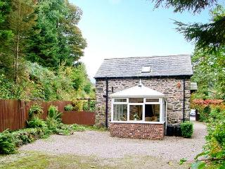 THE OLD BARN, 200 year old barn conversion, en-suite bedroom, conservatory, parking, patio, near Ruthin, Ref 928126 - Ruthin vacation rentals