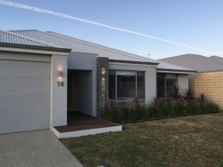 Rainbow Dream House Luxury Holiday House PERTH - Perth vacation rentals