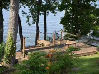 Lake House Near Tuscumbia, AL On Pickwick Lake - Tuscumbia vacation rentals