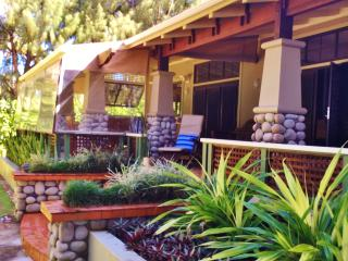Cozy 3 bedroom Muri House with Deck - Muri vacation rentals
