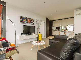 Spacious 2BR-2BTH CBD Apartment Ensuite - Melbourne vacation rentals