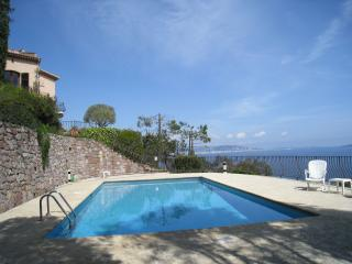 Holiday family villa with swimming pool - Théoule sur Mer vacation rentals