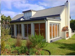 Perfect 3 bedroom House in Pringle Bay - Pringle Bay vacation rentals