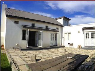 3 bedroom House with Deck in Pringle Bay - Pringle Bay vacation rentals