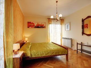 4 bedroom Villa with Internet Access in Muntic - Muntic vacation rentals
