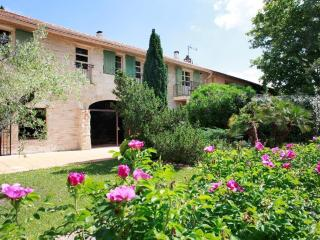 Le CEZANNE at Le Domaine de la Tourette - Arles vacation rentals