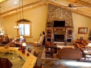 Eden Mountain Lodge:Luxury Home w/ Spa, Pool Table - City of Big Bear Lake vacation rentals