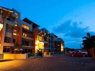 3 Bedroom apartment with pool & private garden - Accra vacation rentals
