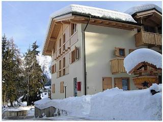 Gorgeous 2 bedroom Vacation Rental in Folgarida - Folgarida vacation rentals