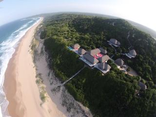 Perfect Villa with Deck and Internet Access - Machangulo vacation rentals