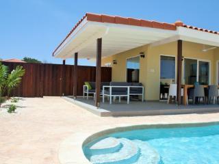 Perfect 3 bedroom Villa in Oranjestad - Oranjestad vacation rentals