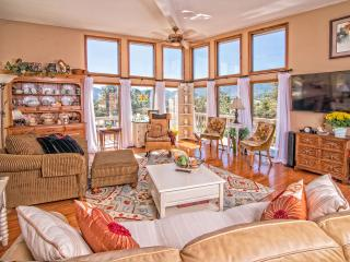 Cozy Cottage with Deck and Internet Access - Estes Park vacation rentals