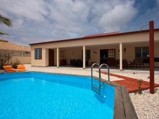 Villa Kas Leo - With private pool, rinse tanks and a large porch in Belnem - Kralendijk vacation rentals