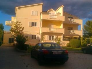 Apartmani Sandra - Sukosan vacation rentals