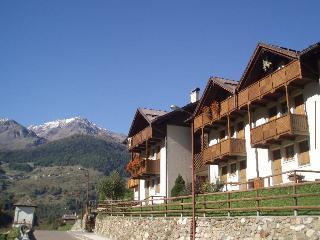 Nice Condo with Internet Access and Balcony - Peio vacation rentals