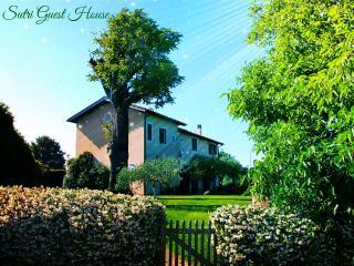 Di Sutri Guest House - Sutri vacation rentals