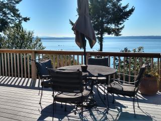 WARM BEACH WATERFRONT on PUGET SOUND - Camano Island vacation rentals