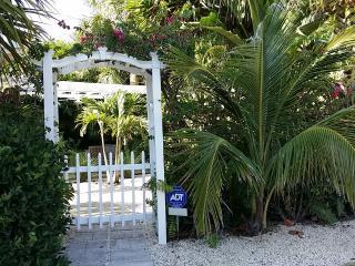 Oceanside cottage in Summer Place, Vero Beach - Vero Beach vacation rentals