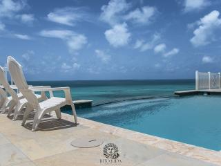 W59. 4 Bedroom Oceanside House with Pool - Sandys vacation rentals