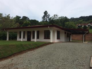 3 Bd/2 Bath Fully Furnished 2200 sf Mountain Home - San Isidro de El General vacation rentals