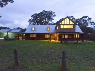 Bright 5 bedroom Witchcliffe House with Outdoor Dining Area - Witchcliffe vacation rentals
