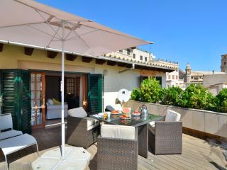 15 Penthouse Old Town 2pax/lift 1 km beach - Palma de Mallorca vacation rentals